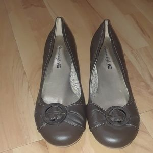 American Eagle Brown Leather Flats Women's sz 9.5